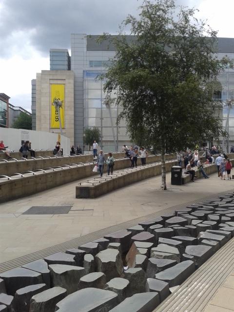 Exchange Square - Isso sim é um Espaço Público!