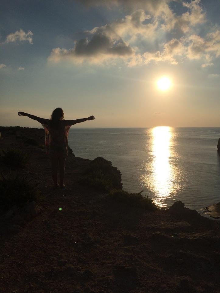 Pôr do sol no mirante de Popeye Village