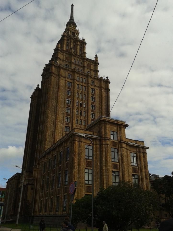 """Academia de Ciências - o """"Bolo de Aniversário de Stalin"""""""