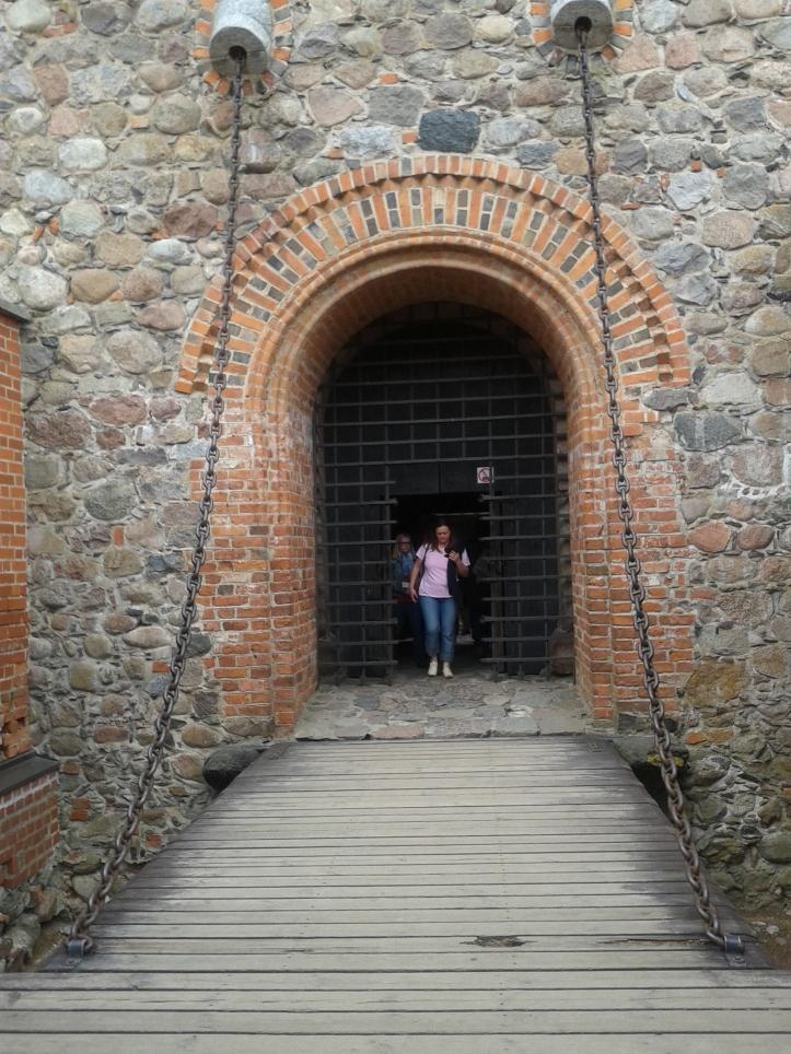 Acesso ao castelo com ponte levadiça