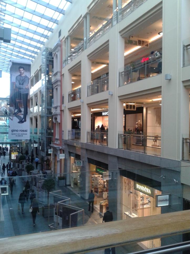 Galeria Center - shopping center em pleno centro histórico de Riga
