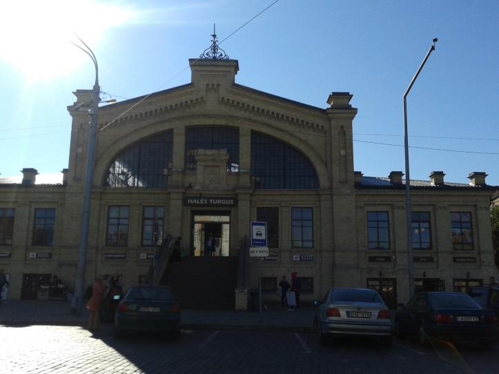 """Halés Market - o """"mercadão"""" de Vilnius"""