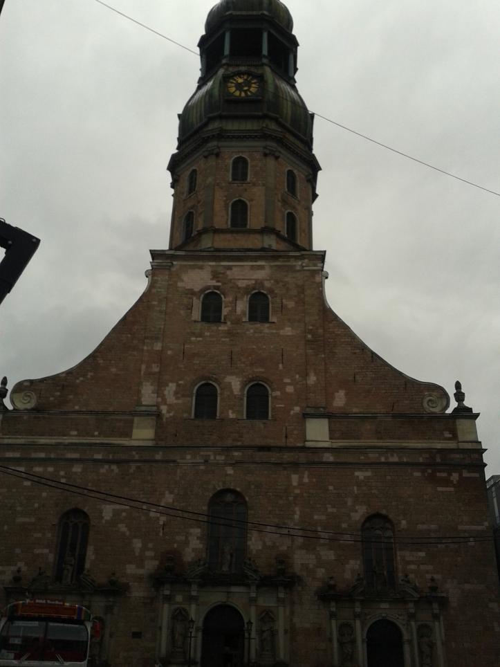 Fachada principal da Igreja São Pedro