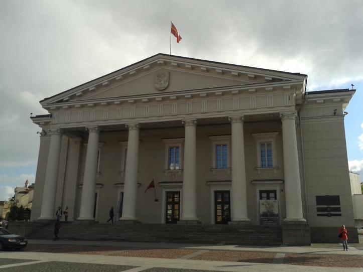 Prédio da Prefeitura - ponto de encontro oficial de Vilnius