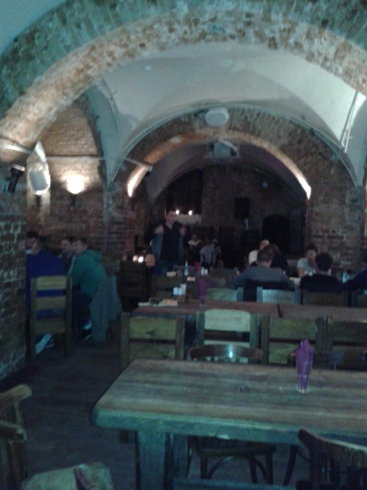 Restaurante Ala - comida típica e cervejas locais