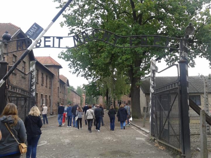 Entrada de Auschiwitz, um dos principais campos de concentração nazista