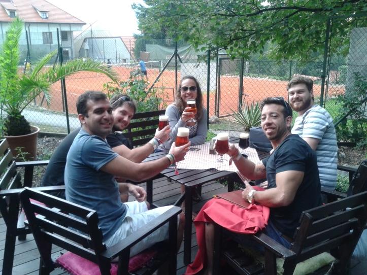 Começando a degustar as cervejas dos Monges