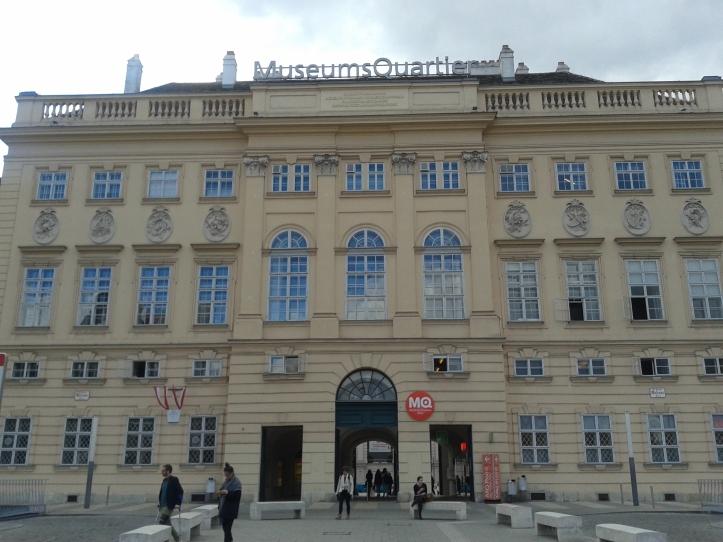 Fachada principal do Museum Quartier