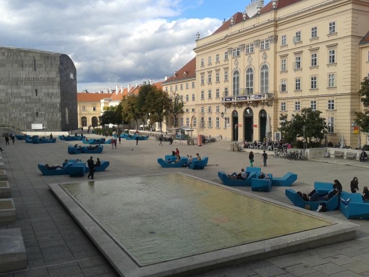 Pátio central do Museum Quartier