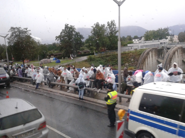 Refugiados na fronteira da Áustria com a Alemanha