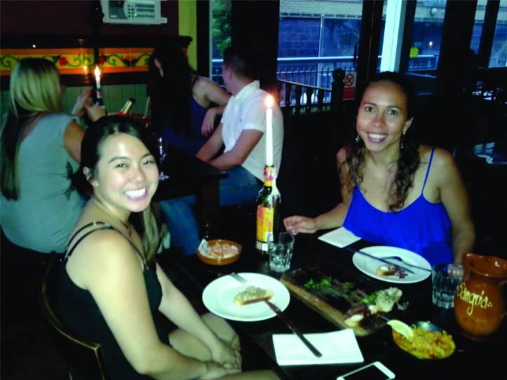 Carina e eu em um jantarzinho espanhol - La Tasca