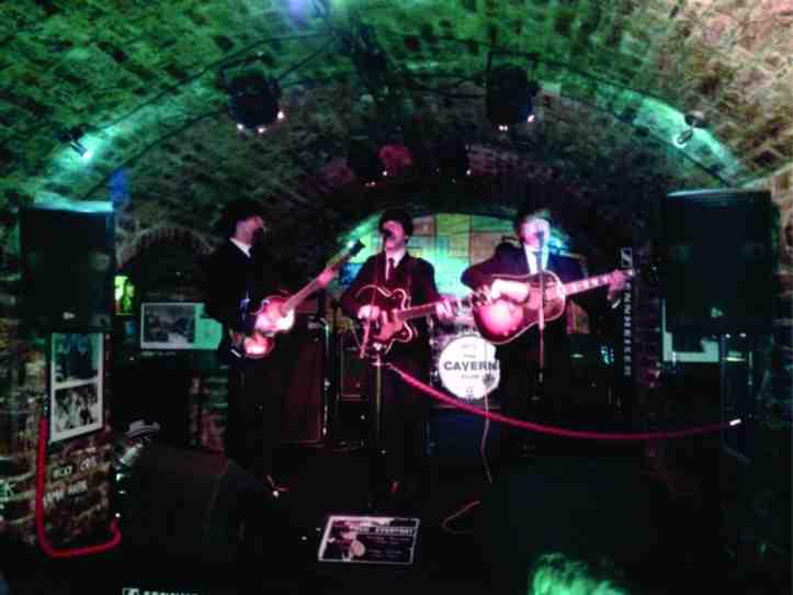 Cavern Pub - uma réplica do antigo Cavern palco de vários shows dos Beatles