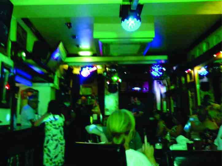 Temple Bar - pub frequentado por John Lenon que tomava sua cervejinha antes dos shows do Cavern Pub onde bebidas alcoólicas eram proibidas