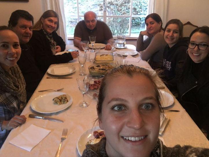 """""""Família"""" reunida para o almoço de despedida!"""