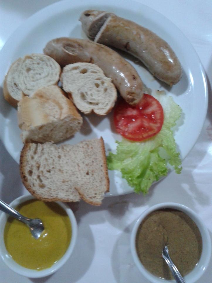 Linguiça alemã no restaurante Fritz em Penedo