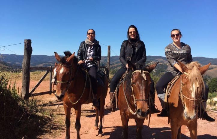 Passeio a cavalo pelo entorno do Sítio do Vovô (Descansópolis)