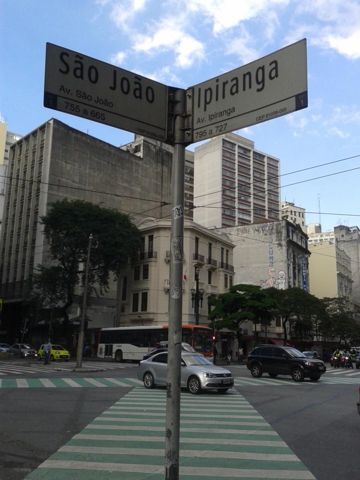 Esquina da avenida Ipiranga com a São João