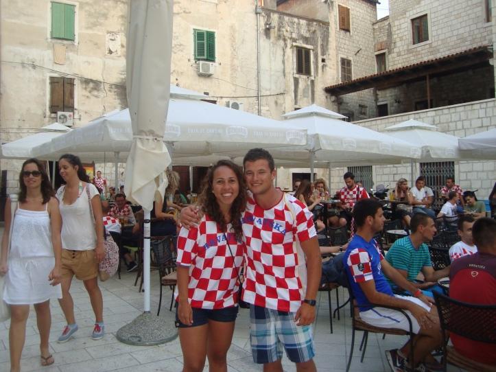 Nosso irmão adotivo e eu torcendo pela Croácia