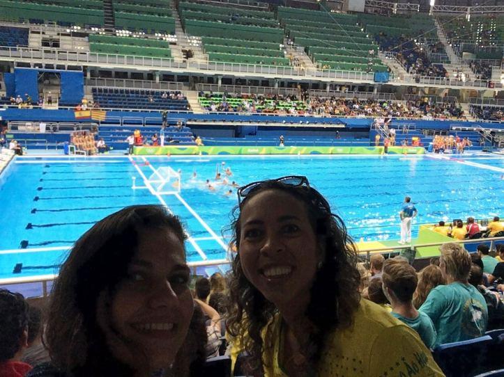 Polo aquático no Estádio Aquático Olímpico com minha prima Nathalia