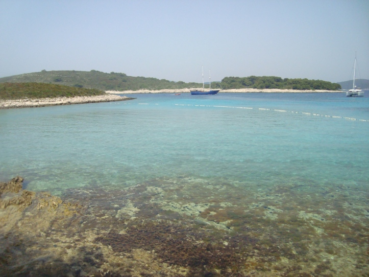 Zdrilca - deslumbrante praia de uma das ilhas das redondezas de Hvar