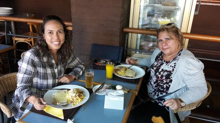 Primeiro almoço em Montevidéu: restaurante Costa Azul