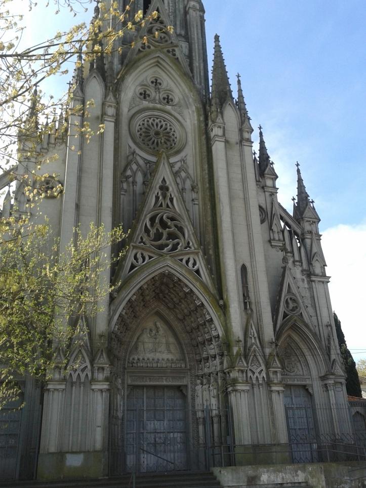 Fachada principal da Igreja das Carmelitas