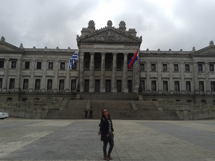 ´Fachada do Palácio Legislativo voltada para a av. General Lavalleja
