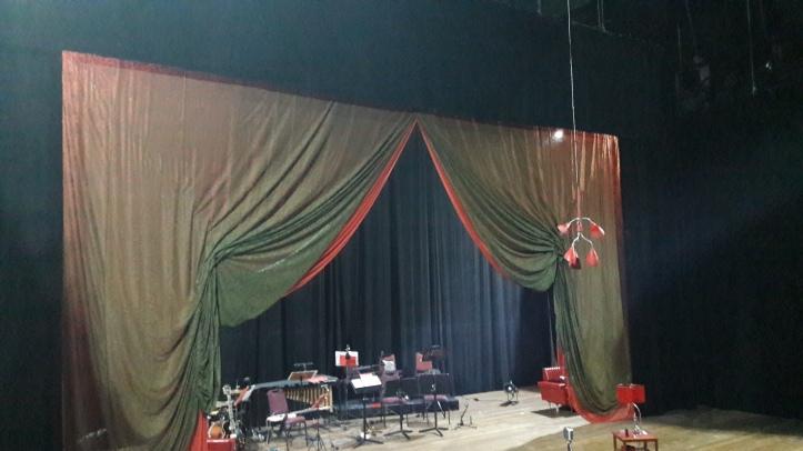 """Palco da segunda sala de espetáculo (""""sala preta"""")"""