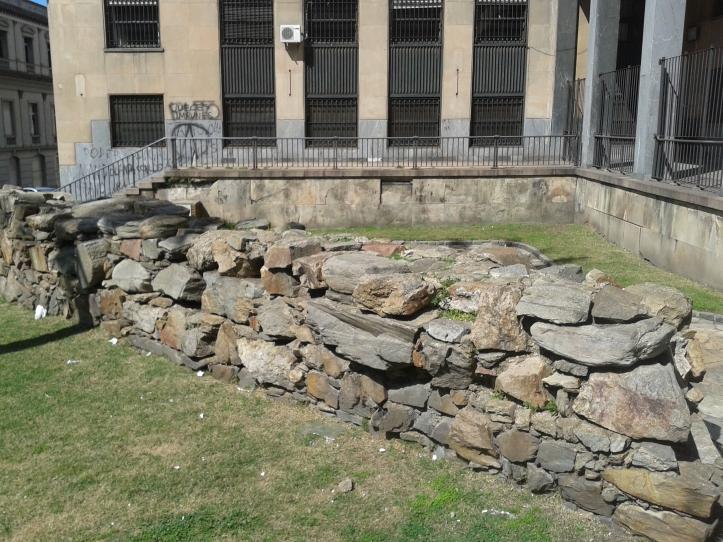 """Restos da antiga muralha da """"Cidade Velha"""""""