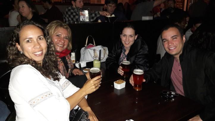 Degustando uma cervejinha artesanal na Cervejaria Antares