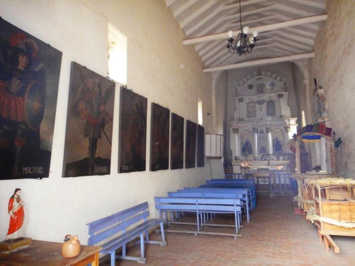 Interior da Igreja de Raqchi