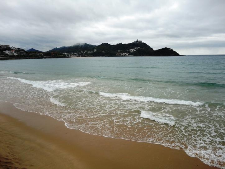 Playa La Concha com o Monte Igueldo ao fundo