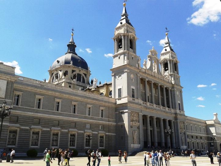 Fachada Catedral de Almudena