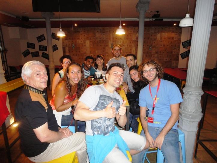 Galera do Tapas Tour no último bar