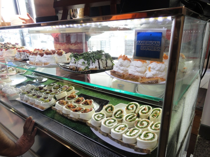Mercado de San Miguel - vitrine de tapas