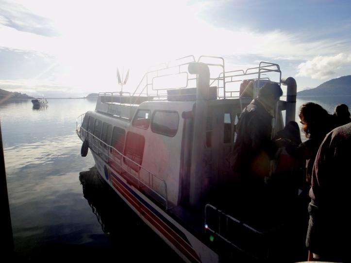 Barco para o passeio pelo Lago Titicaca