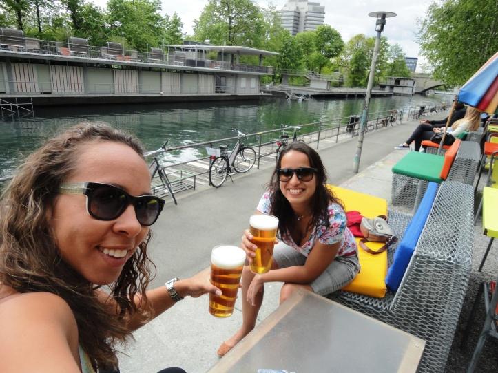 Cervejinha às margens do Limmat