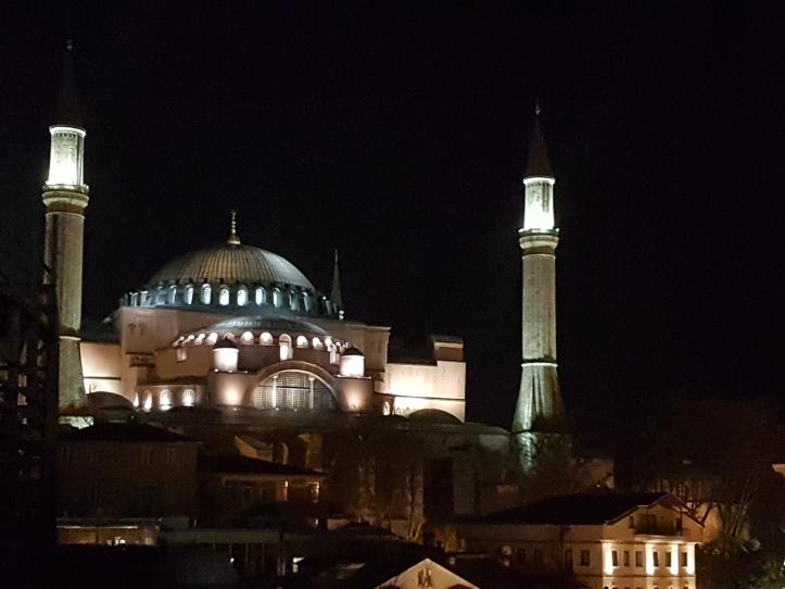 Basílica Santa Sofia (Hagia Sophia) a noite