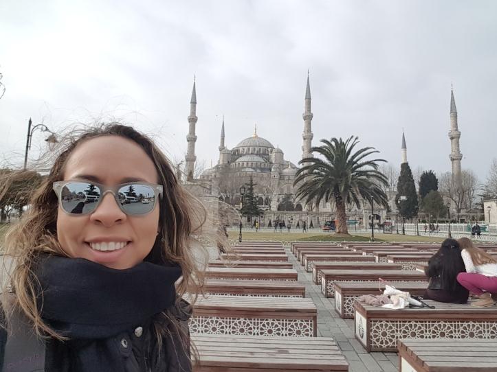 Mesquita Azul ao fundo