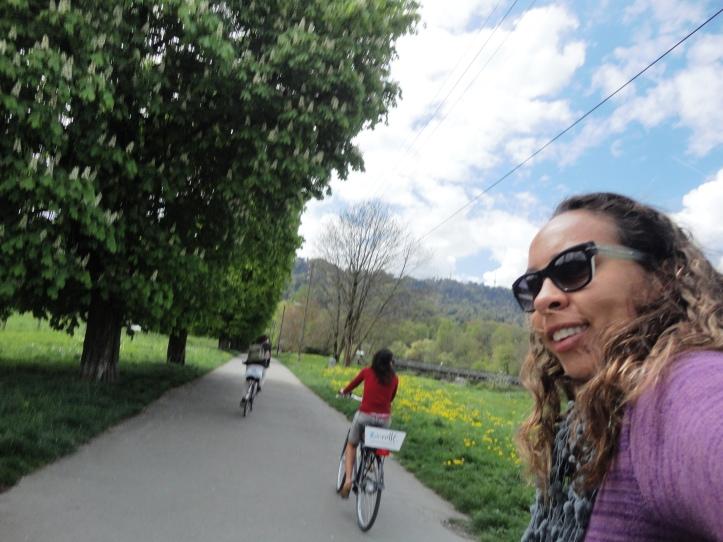 Passeio de bike pelo parque Allmend