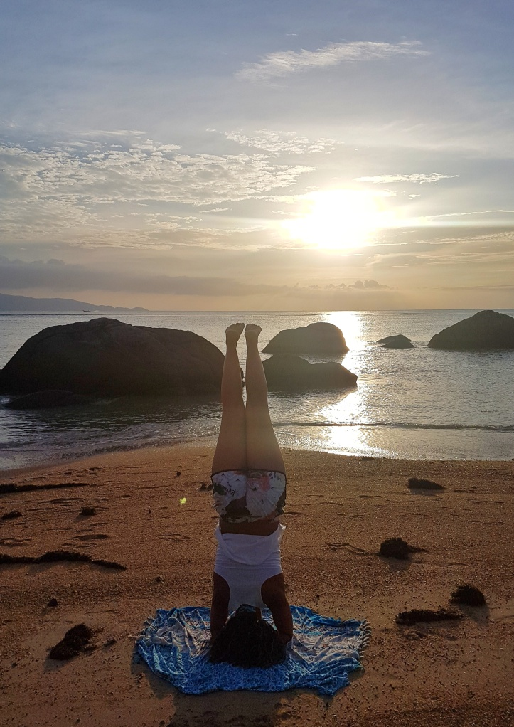 16 - yoga na praia dO RESORT PHANGAN ORCHID-01