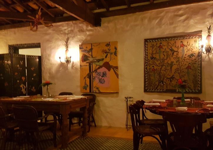 20 - Restaurante Gulero dentro-01
