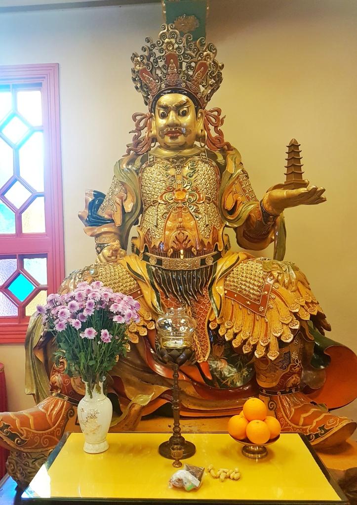 24- Buda e oferendas monasterio-02