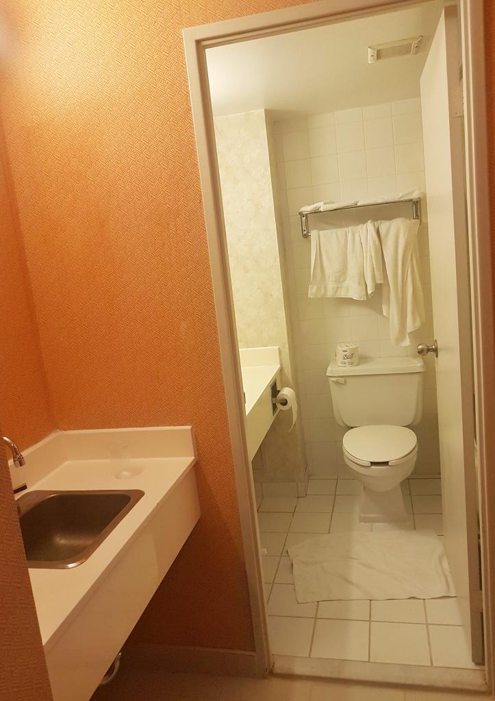 46- Hotel Residence_banheiro-01.jpeg