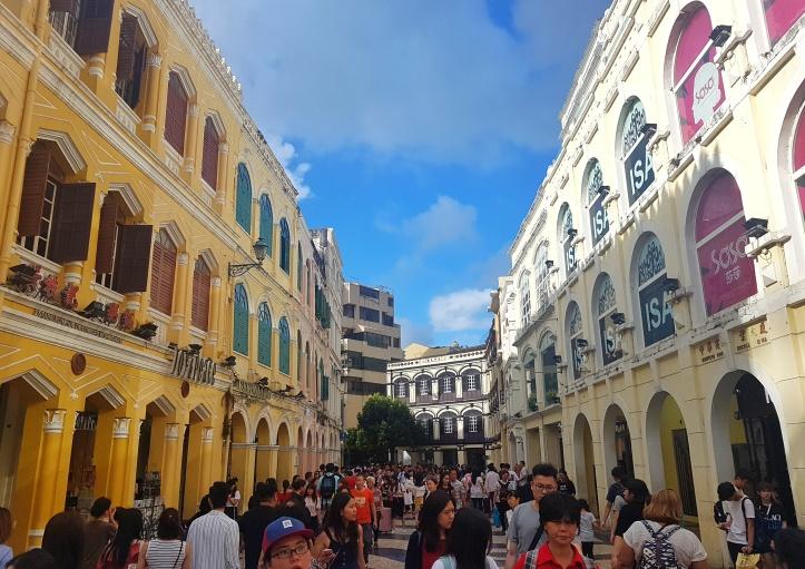 14- Prédios com arquitetura portuguesa